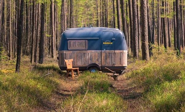 tu habites dans un chalet une caravane r sidentielle une cabane roulotte yourte pour que. Black Bedroom Furniture Sets. Home Design Ideas